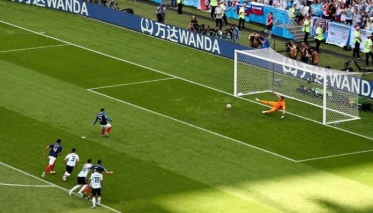 đá penalty